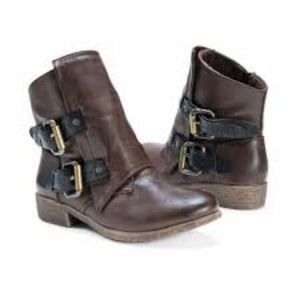 Muk Luk Brown Buckled Evie Boots